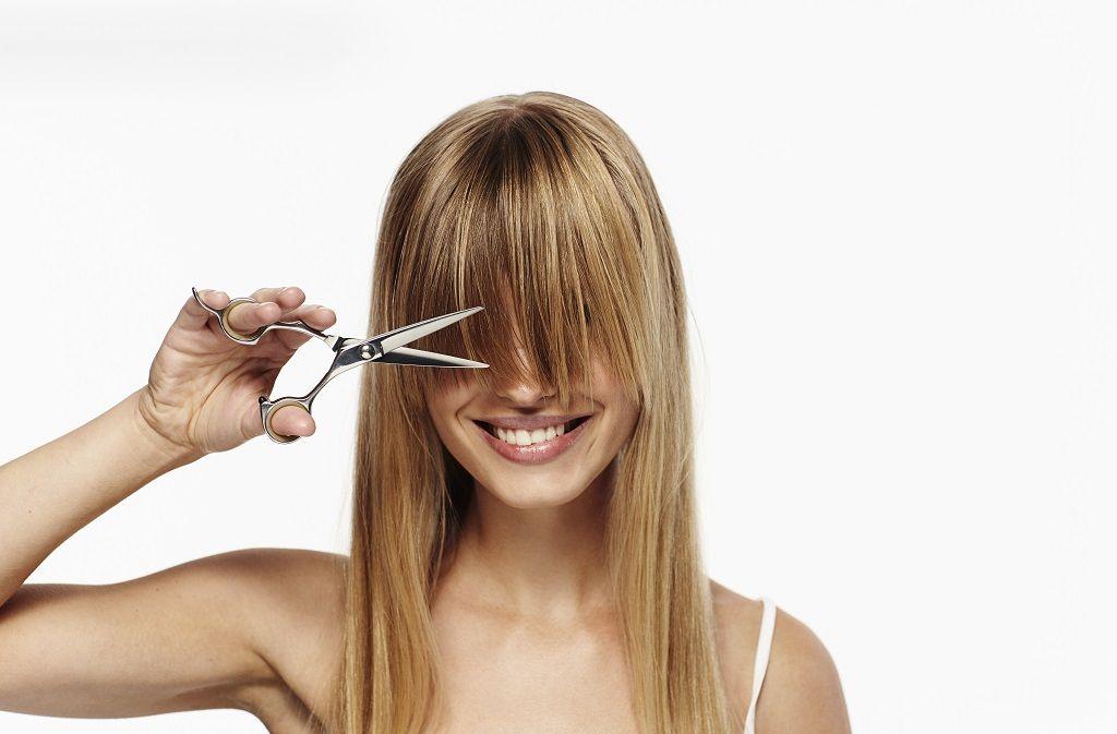 Haare selber schneiden - Tipps und Anleitungen Foto: sanneberg/Shutterstock