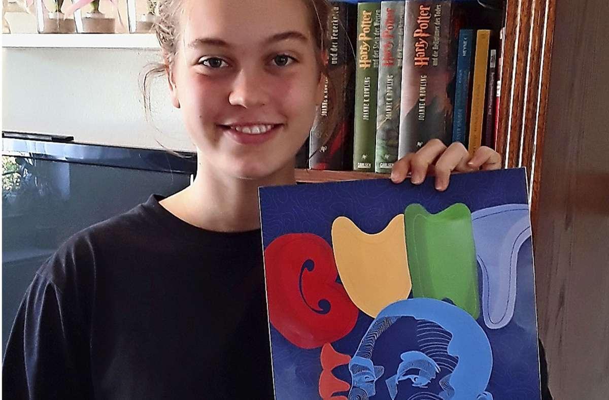 """Die 17-jährige Lilli Meyer mit dem Gewinner-Aquarell des Wettbewerbs """"bunt statt blau"""" Foto: DAK/privat"""