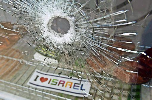 Israel-Geschäft beschossen