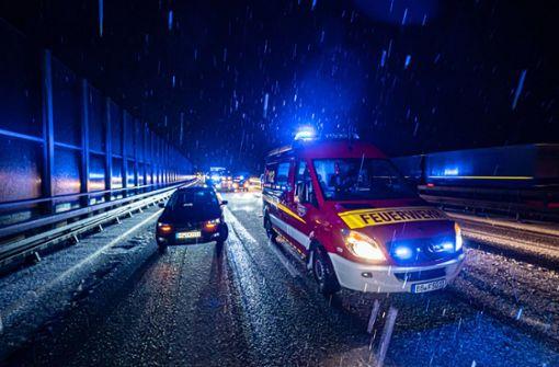 Erster Schneefall sorgt für zahlreiche Unfälle