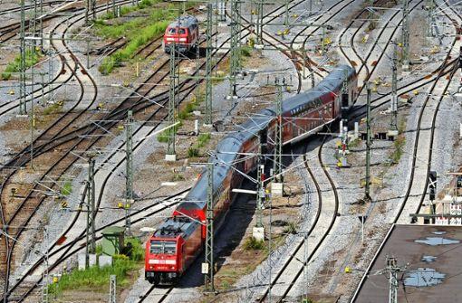 Streit über oberirdische Gleise