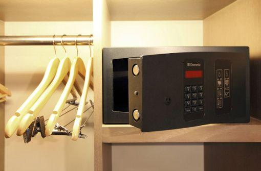 In Hotelzimmer eingebrochen und Tresor gestohlen