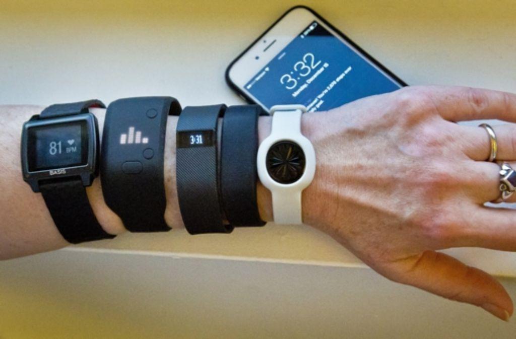Fitness-Tracker sammeln Daten über den Gesundheitszustand des Nutzers. Foto: AP