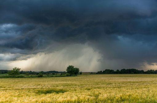 Wolken und Schauer zur Wochenmitte