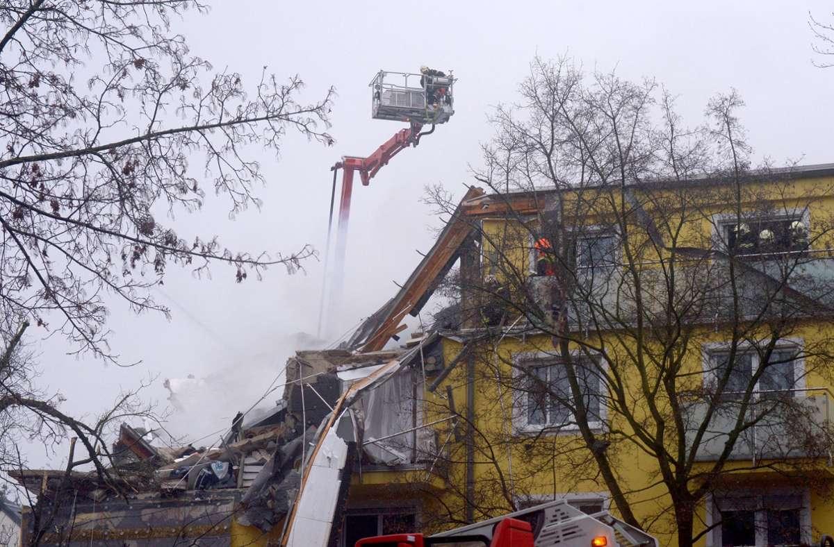 Die Explosionen hinterließen ein Bild der Verwüstung. Foto: dpa/Herbert Pfarrhofer