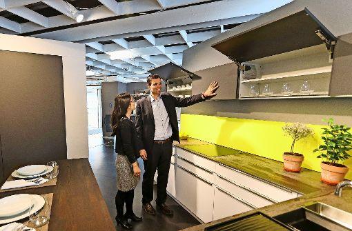 Jochen Fischer und seine Frau Lucia Fischer  Guimil haben  das Küchenstudio Koch übernommen. Foto: factum/Granville