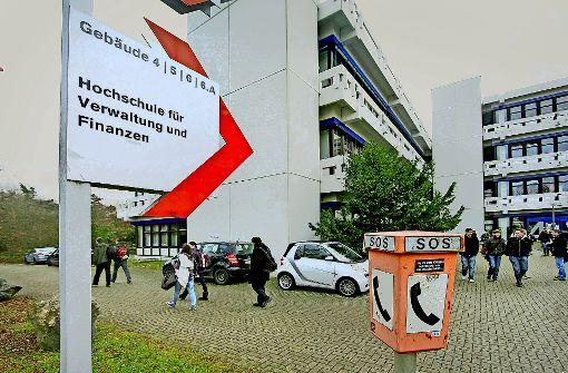 Wie die Beamtenhochschule von der Vergangenheit eingeholt wird