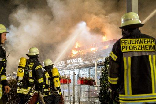 Großbrand zerstört Burger-King-Restaurant