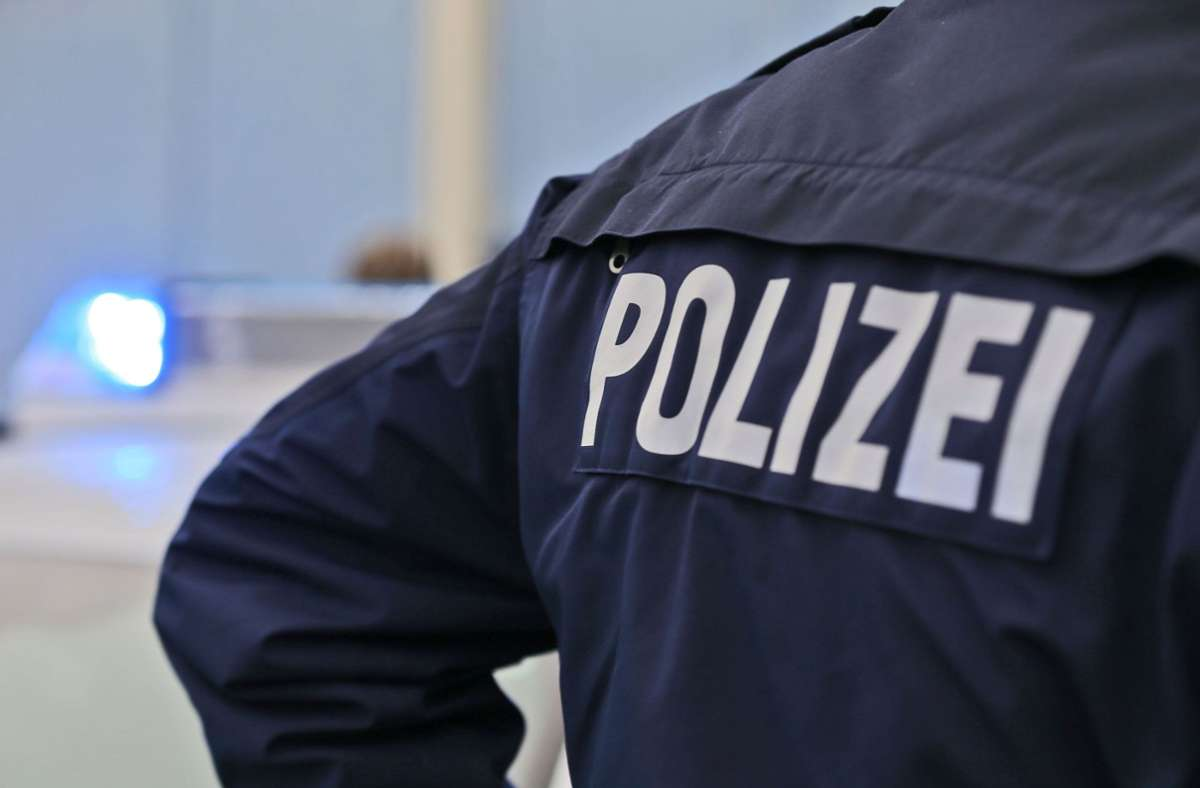 Im Kleintransporter des 29-Jährigen saßen acht Personen. Foto: Eibner-Pressefoto/Deutzmann