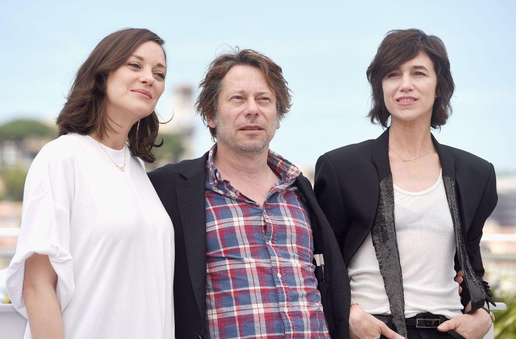 Die Schauspieler Marion Cotillard, Mathieu Amalric und Charlotte Gainsbourg bei der Eröffnung der Filmfestspiele in Cannes. Wer bei der Eröffnung außerdem dabei war, sehen Sie in unserer Bildergalerie. Klicken Sie sich durch. Foto: Getty Images Europe