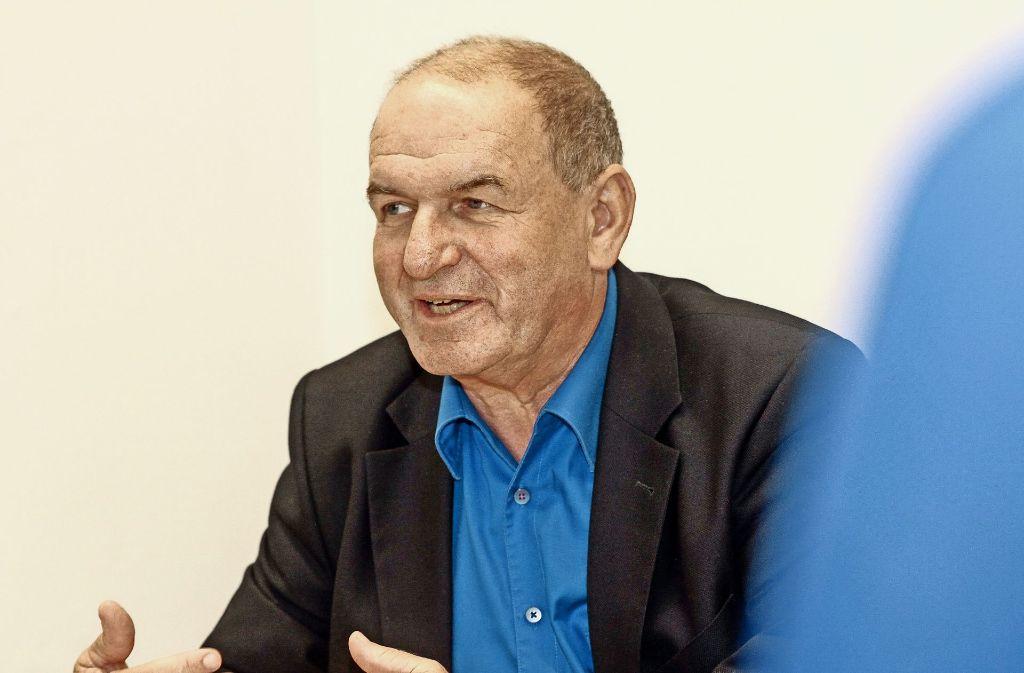 Die Freude überwiegt: Klaus Arnold verlässt das Schiller-Gymnasium. Foto: factum/Bach