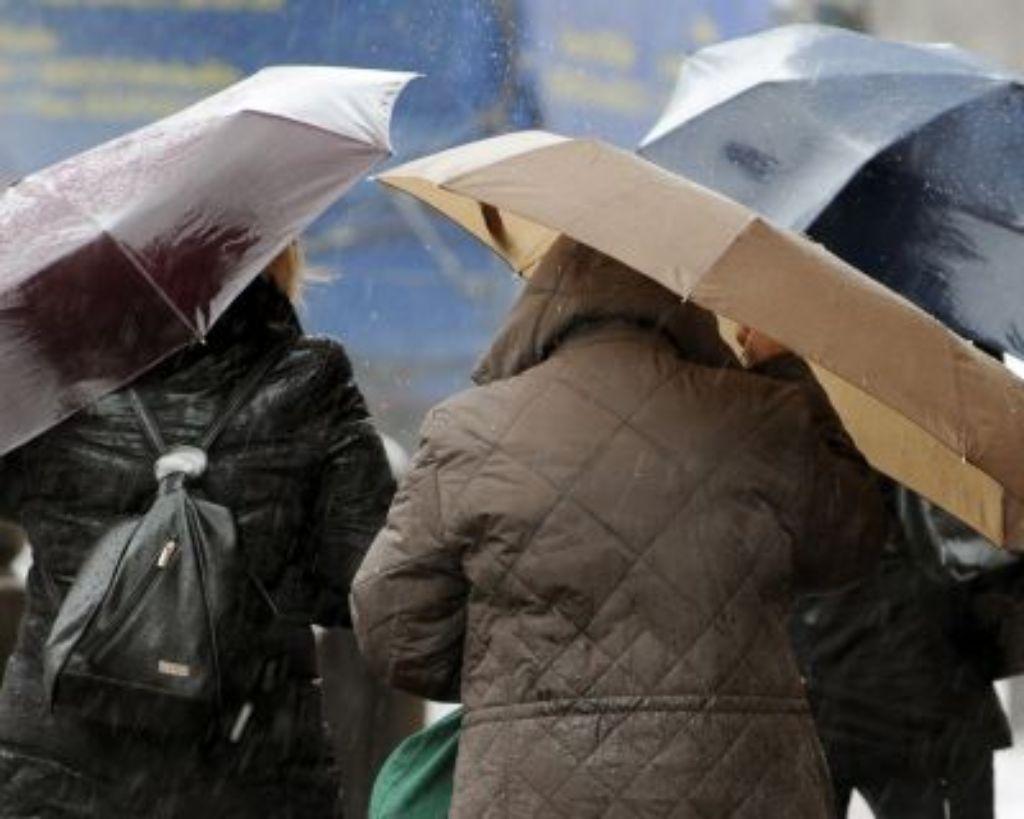 Kein Glücksspiel: Mit Wetten auf das Wetter darf ein Möbelhaus seine Kunden locken. Das hat der Verwaltungsgerichtshof (VGH) Baden-Württemberg entschieden. Foto: dpa