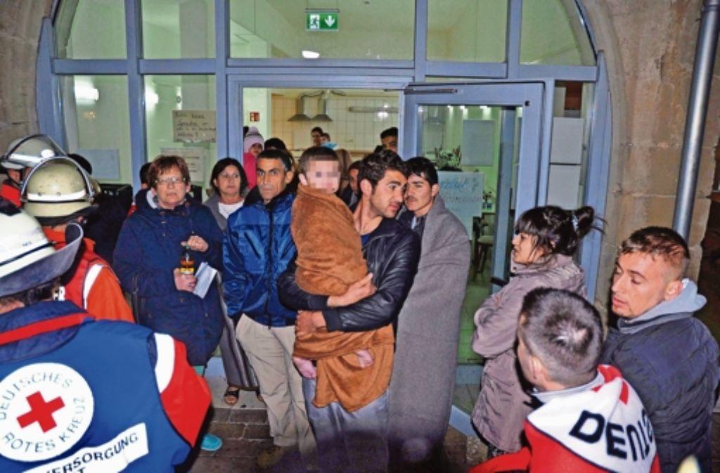 Die Bewohner des angrenzenden Gebäudes kamen mit dem Schrecken davon. Foto: dpa