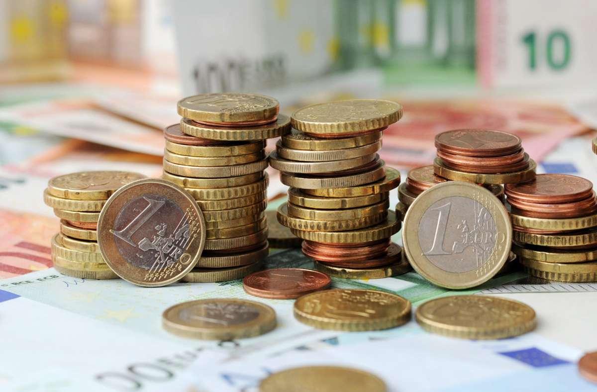 Fast 20 Milliarden Euro weniger – die Corona-Pandemie hat ein ganz schönes Loch in die Staatskassen gerissen. Foto: dpa/Tobias Hase