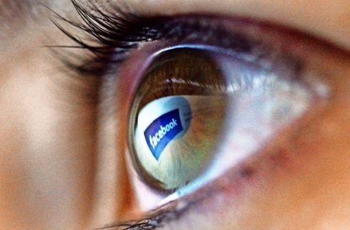 Facebook auf riskantem Schlingerkurs