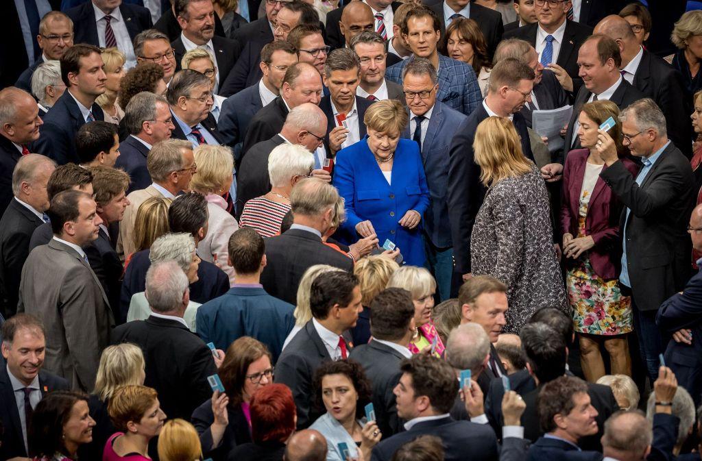 Der Bundestag hat am Freitagmorgen über die Homo-Ehe abgestimmt und eine historische Entscheidung getroffen. Foto: dpa