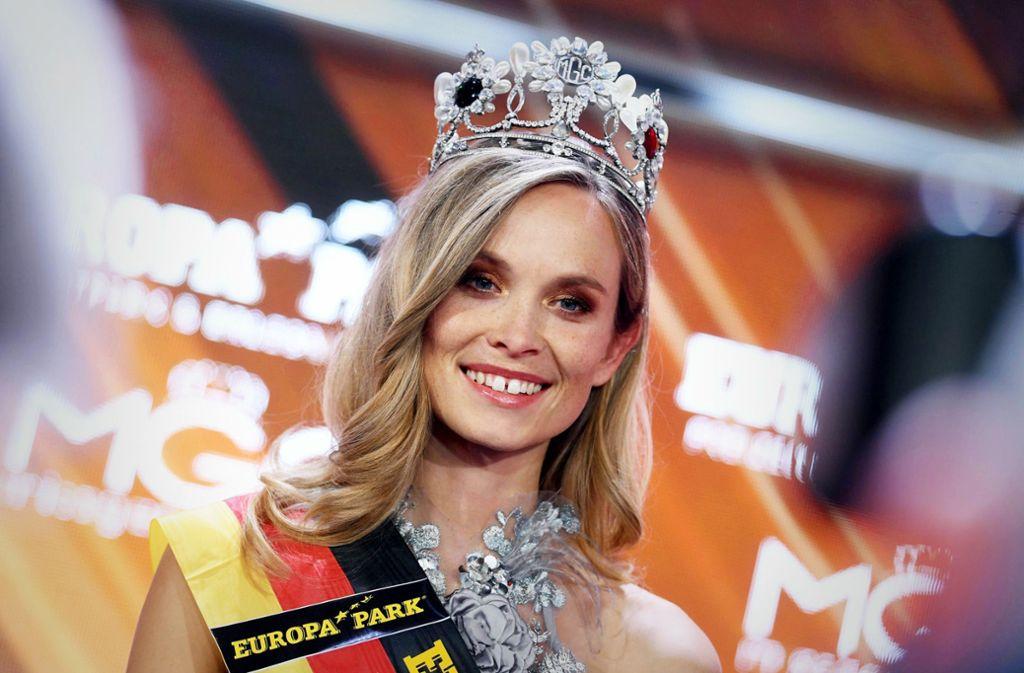 Gekröntes Haupt: Nadine Berneis bei ihrem Sieg bei der Miss-Germany-Wahl im im Februar Foto: dpa/Uli Deck