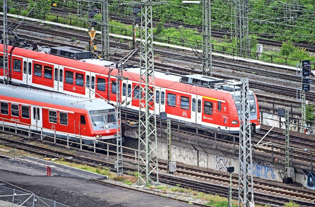 Dass die S-Bahn nicht nur nach Weil der Stadt, sondern weiter bis nach Calw fährt, ist ein Wunsch der Freien Wähler. Foto: dpa