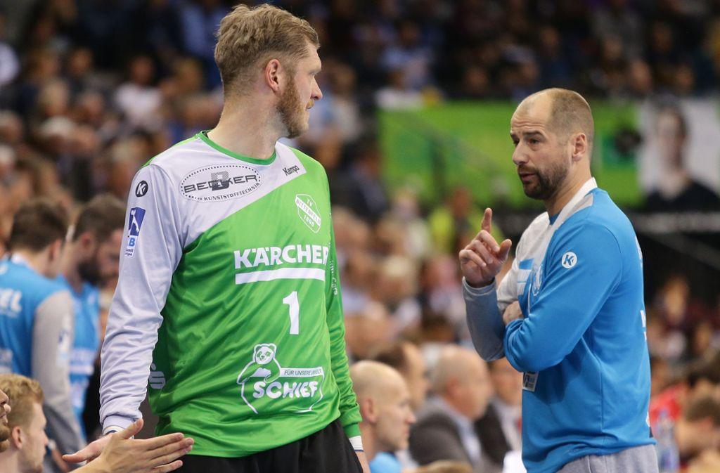 Einzug ins DHB-Pokal-Achtelfinale geschafft: TVB-Trainer Jürgen Schweikardt (re.), Torwart Johannes Bitter. Foto: Baumann