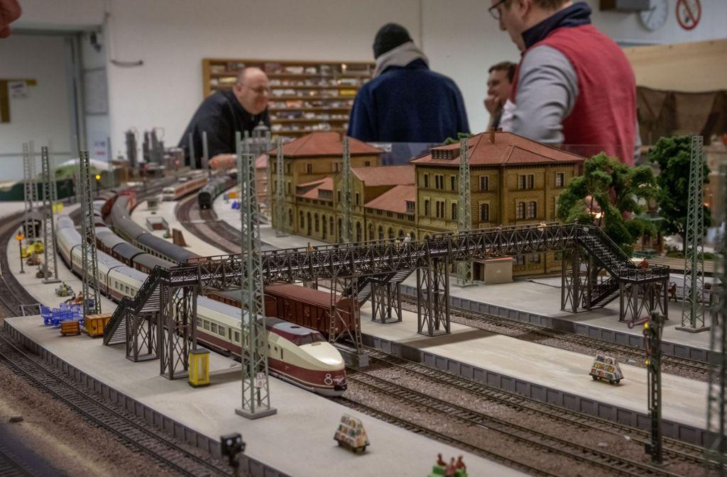 Die Anlage des Modelleisenbahnclubs Stuttgart glänzt durch ihren Detailreichtum. . Foto: Lichtgut/Julian Rettig