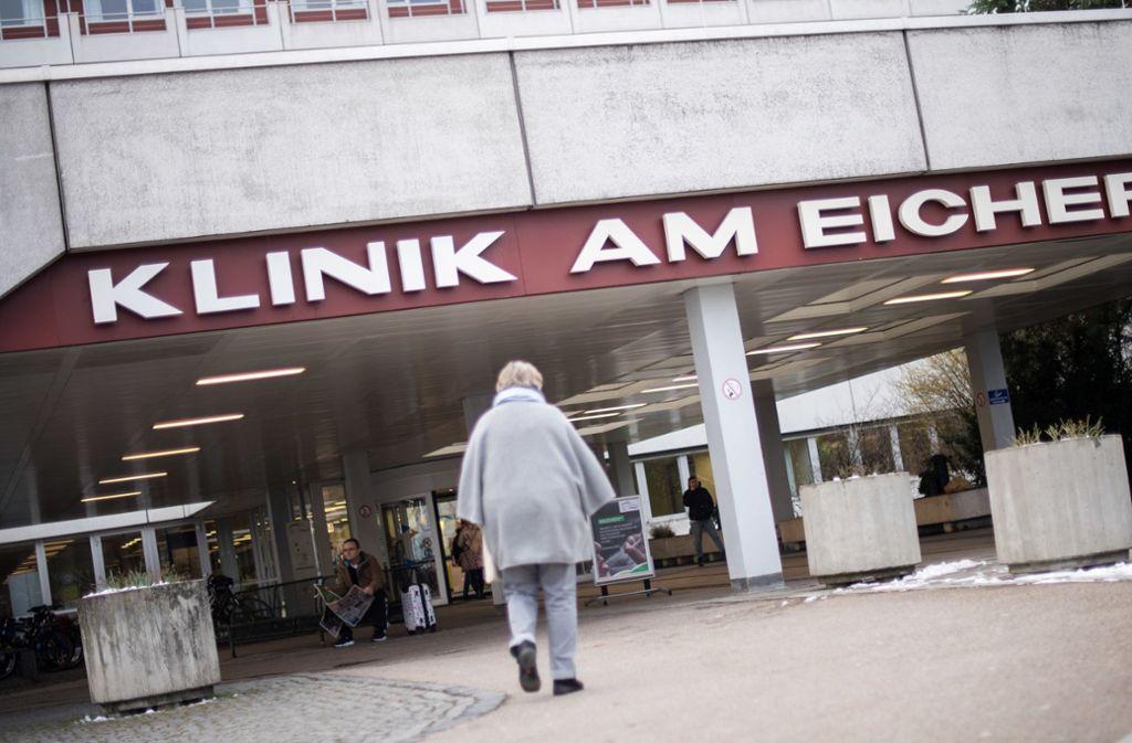 In der Klinik am Eichert in Göppingen hat es nach bisherigen Erkenntnissen eine tragische Verwechselung bei der Gabe von Infusionen gegeben. Foto: dpa