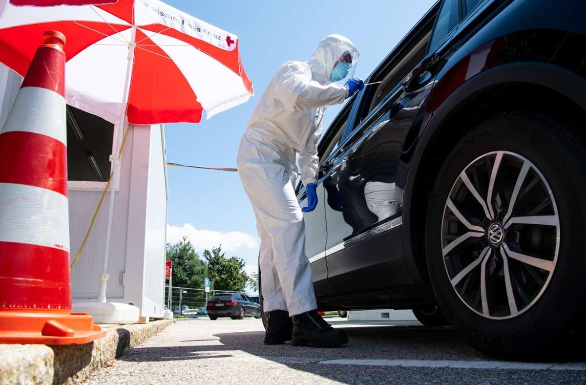In Deutschland haben sich seit Beginn der Corona-Krise nach RKI-Angaben vom Samstag mindestens 282730 Menschen nachweislich mit dem Virus Sars-CoV-2 infiziert. Foto: dpa/Sven Hoppe