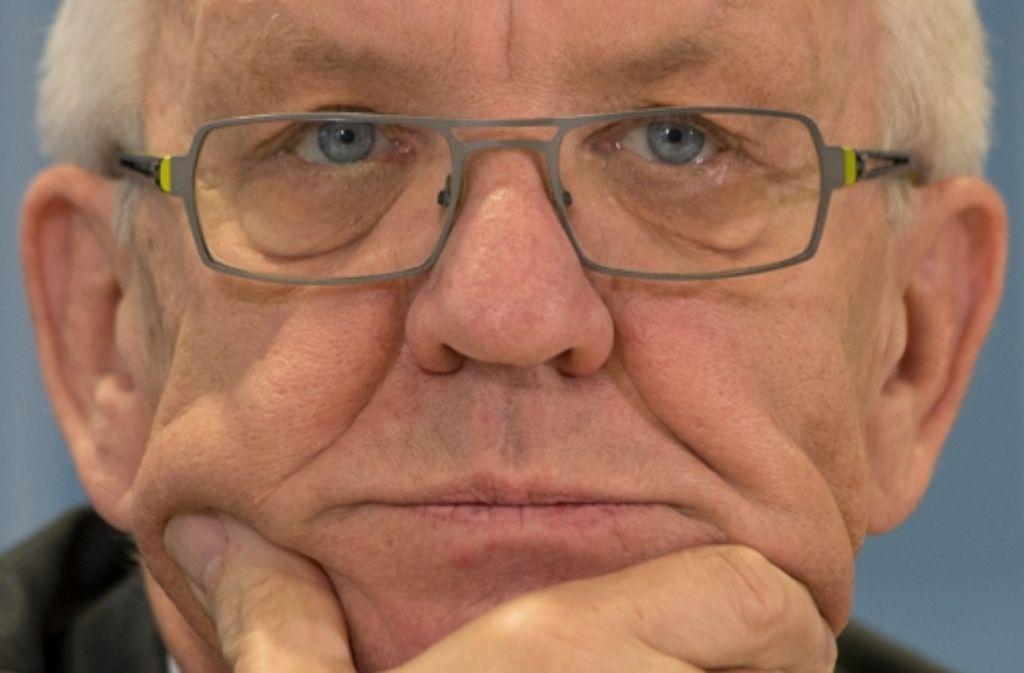 Hoch im Kurs, aber ohne Mehrheit: Ministerpräsident Winfried Kretschmann (Grüne) Foto: dpa