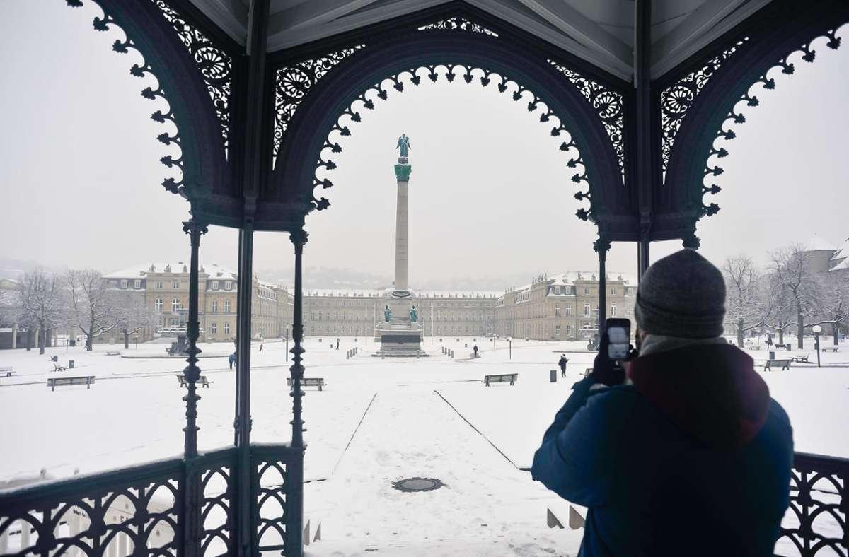 Der Stuttgarter Schlossplatz im Schnee ist ein beliebtes Fotomotiv. Foto: Lichtgut/Max Kovalenko