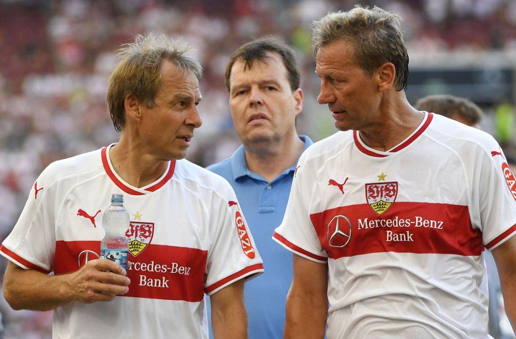 Guido Buchwald hat auf Facebook auch den Umgang des VfB mit Jürgen Klinsmann kritisiert (links). Foto: Marijan Murat/dpa/Marijan Murat