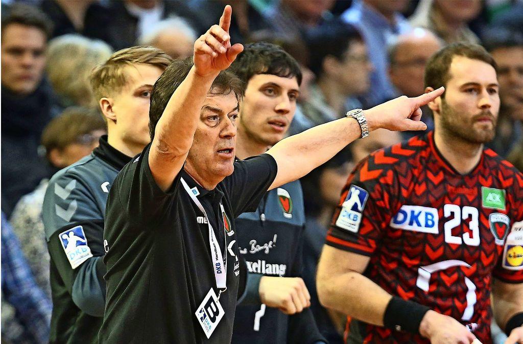 Emotionale Rückkehr nach Göppingen: Der charismatische Kult-Trainer Velimir Petkovic feiert mit Berlin einen Sieg bei Frisch Auf. Foto: Baumann