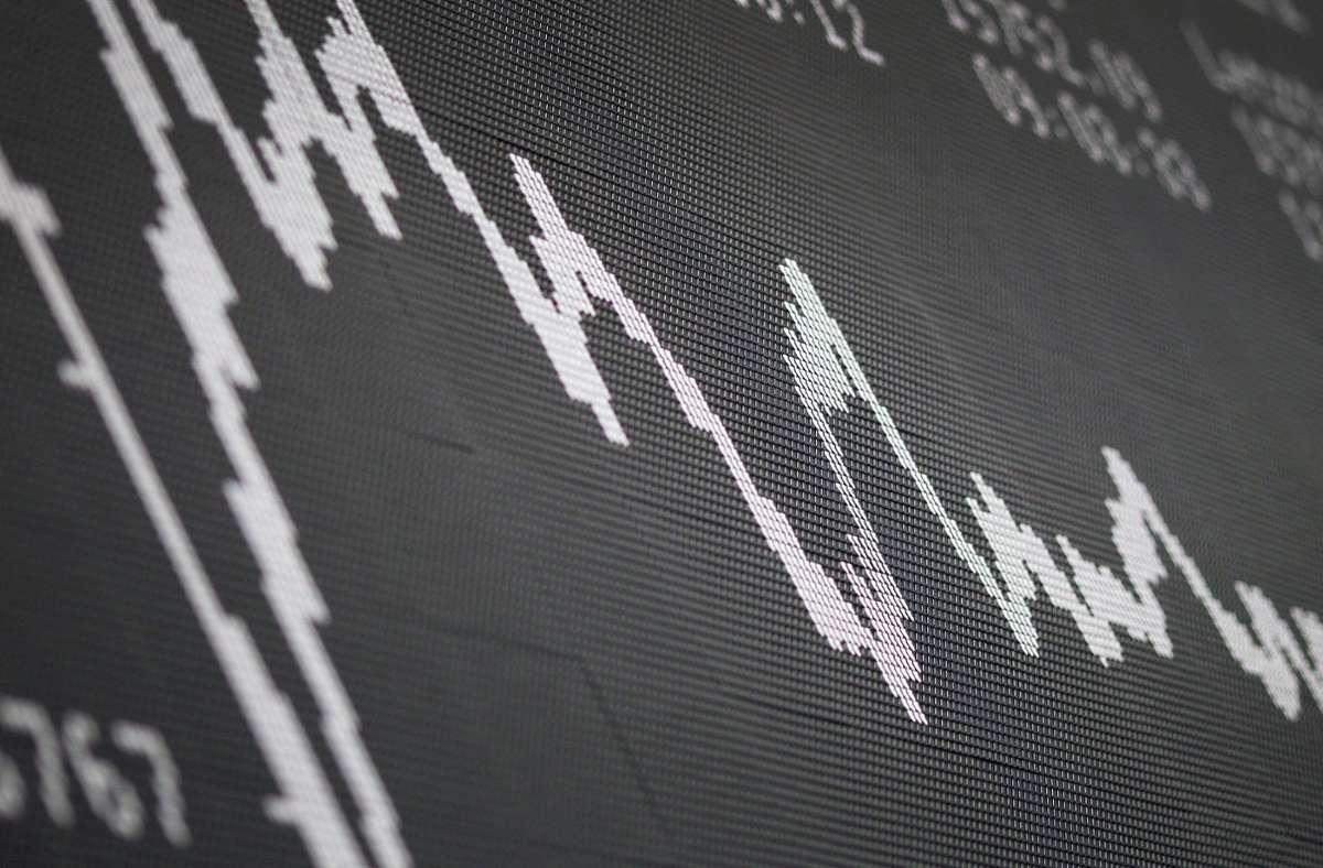 Der Dax-Chart im Handelssaal der Deutschen Börse Foto: AFP/Daniel  Roland
