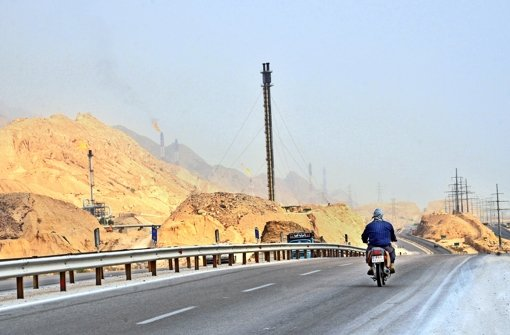 Die Länder am Golf leben weiter vom Öl, neue Industriezweige gibt es kaum. Foto: Redux/laif