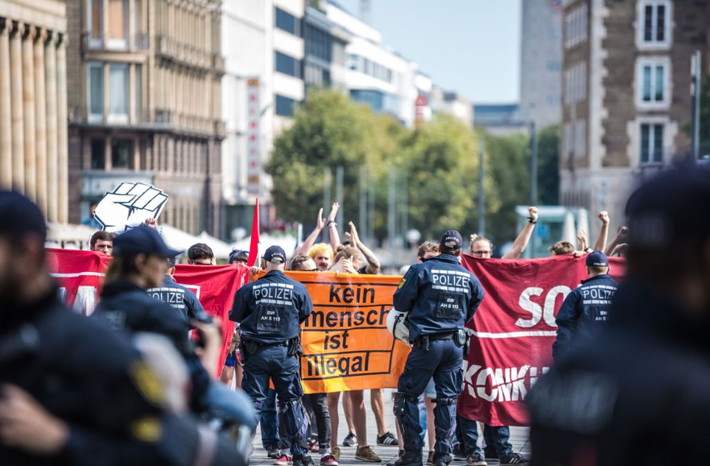 Protest gegen die Kundgebung der Identitären Bewegung am 18. August in Stuttgart. Foto: Lichtgut/Julian Rettig