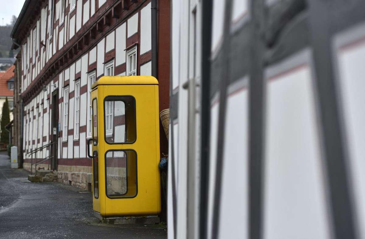 Die Telefonzelle hat im Jahr 2020 so gut wie ausgedient. Foto: dpa/Uwe Zucchi