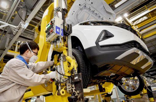 Autoabsatz in China  bricht um mehr als 90 Prozent ein