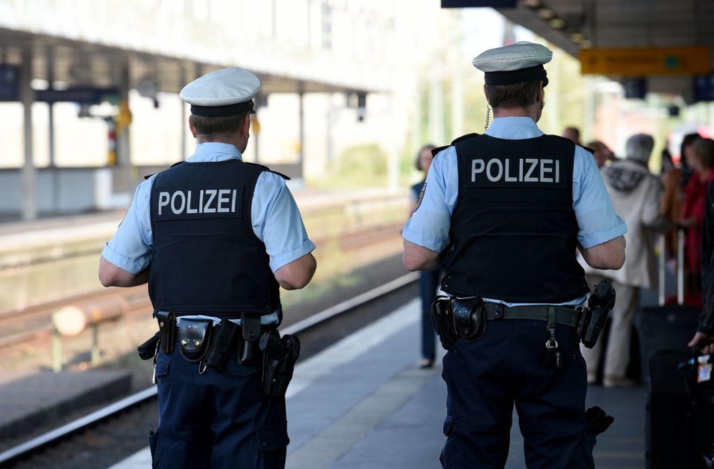 Die Bundespolizei hat einen mutmaßlichen Dieb festgenommen. (Symbolbild) Foto: dpa/Holger Hollemann
