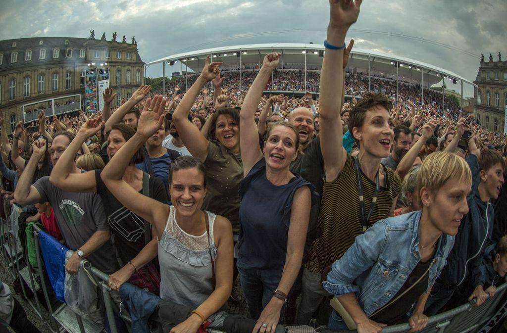 ... eine große Party vor der Kulisse des Neuen Schlosses. Foto: Lichtgut/Leif Piechowski