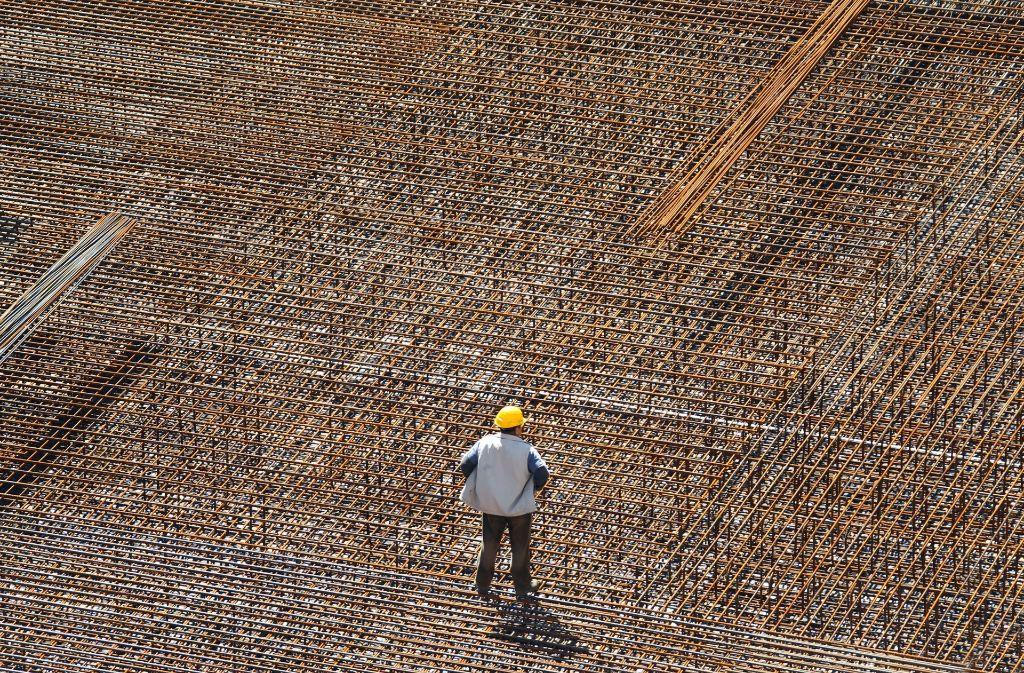 Die deutsche Wirtschaft auf einem guten Kurs, auch wenn im Bauhauptgewerbe  sich das Geschäftsklima verschlechterte. Foto: dpa-Zentralbild