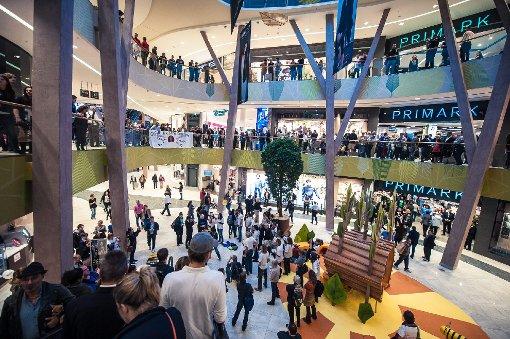 Ansturm auf die neue Shopping-Mall