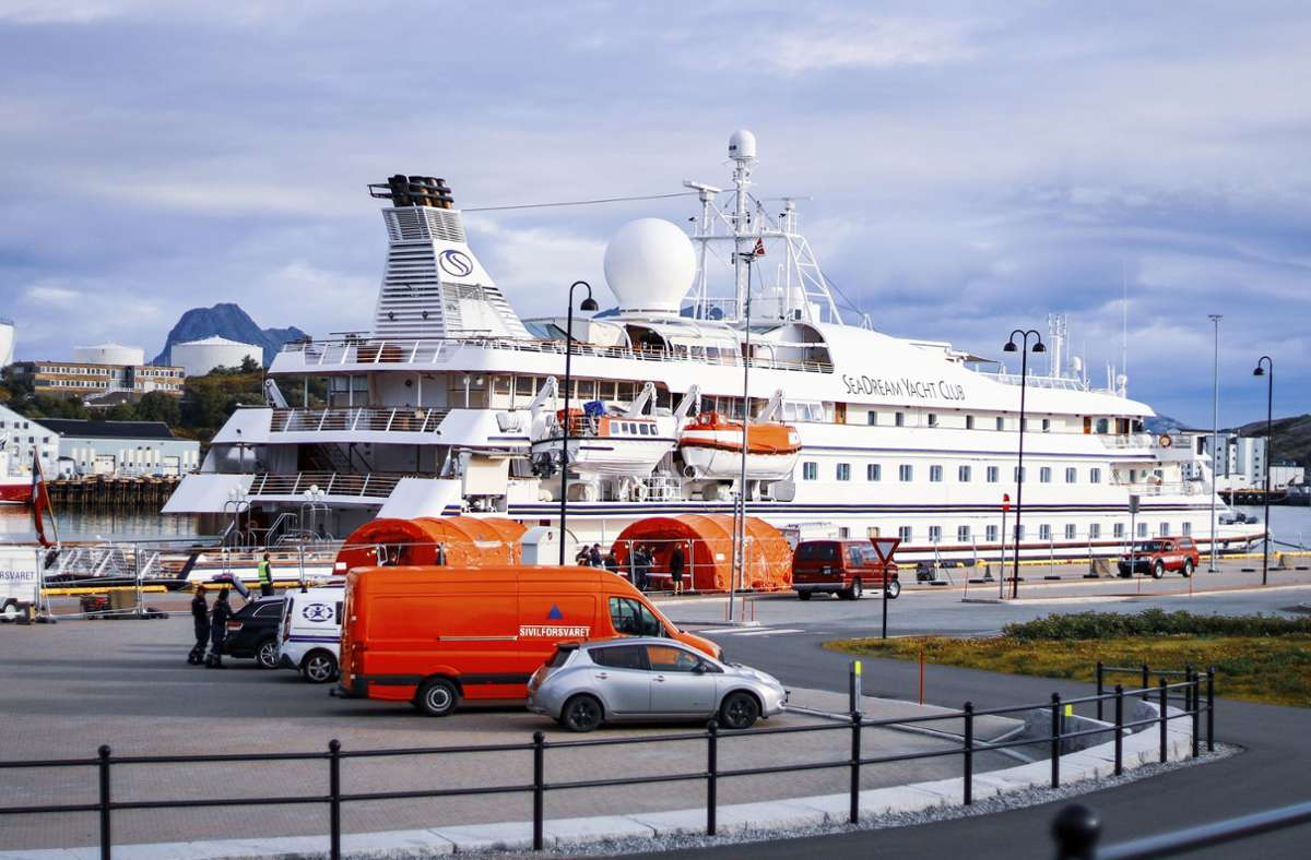 Passagiere und Besatzung dürfen die Seadream 1 derzeit nicht verlassen. Foto: AP/Sondre Skjelvik