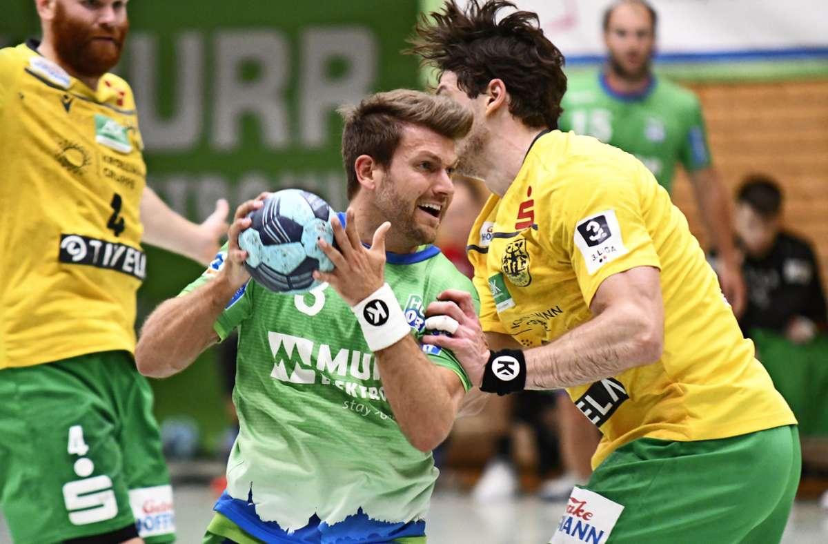 Marcel Lenz (mit Ball) trifft siebenmal, aber sein Team steigt nicht auf. Foto: Maximilian Hamm