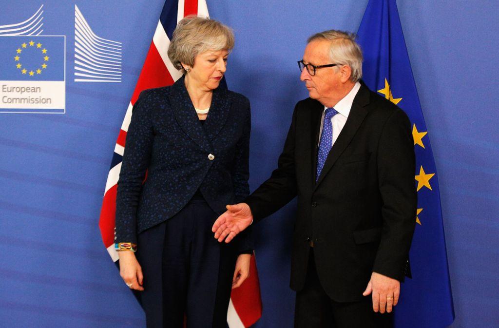 Abstimmungsprobleme: Die britische Premierministerin Theresa May Anfang Februar beim Besuch im Headquarter der EU-Kommission mit deren Präsident Jean-Claude Juncker. Foto: Getty Images Europe