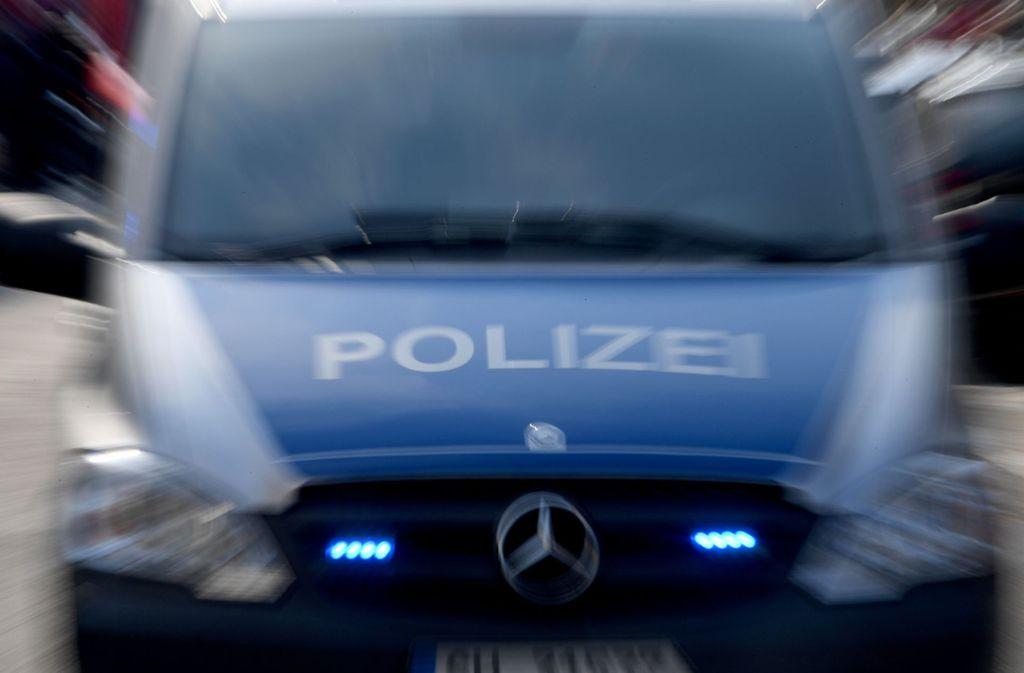 Die Polizei sucht Zeugen zum Vorfall in Stuttgart-Süd. (Symbolbild) Foto: dpa/Carsten Rehder