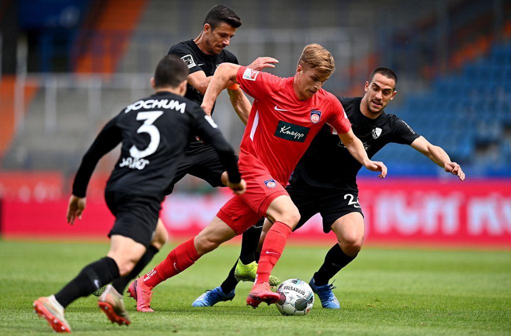 Der 1. FC Heidenheim verlor beim Abstiegskandidaten VfL Bochum mit 0:3 (0:2). Foto: dpa/Lukas Schulze
