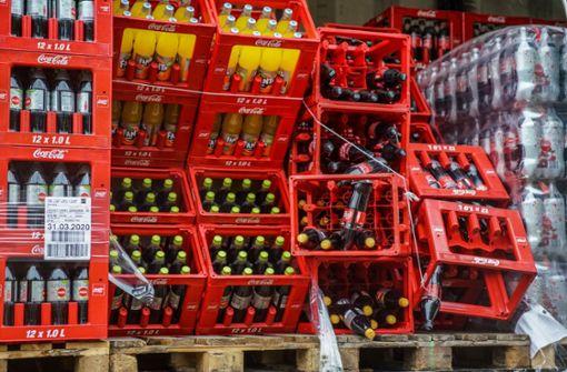 Chaos vor Getränkemarkt