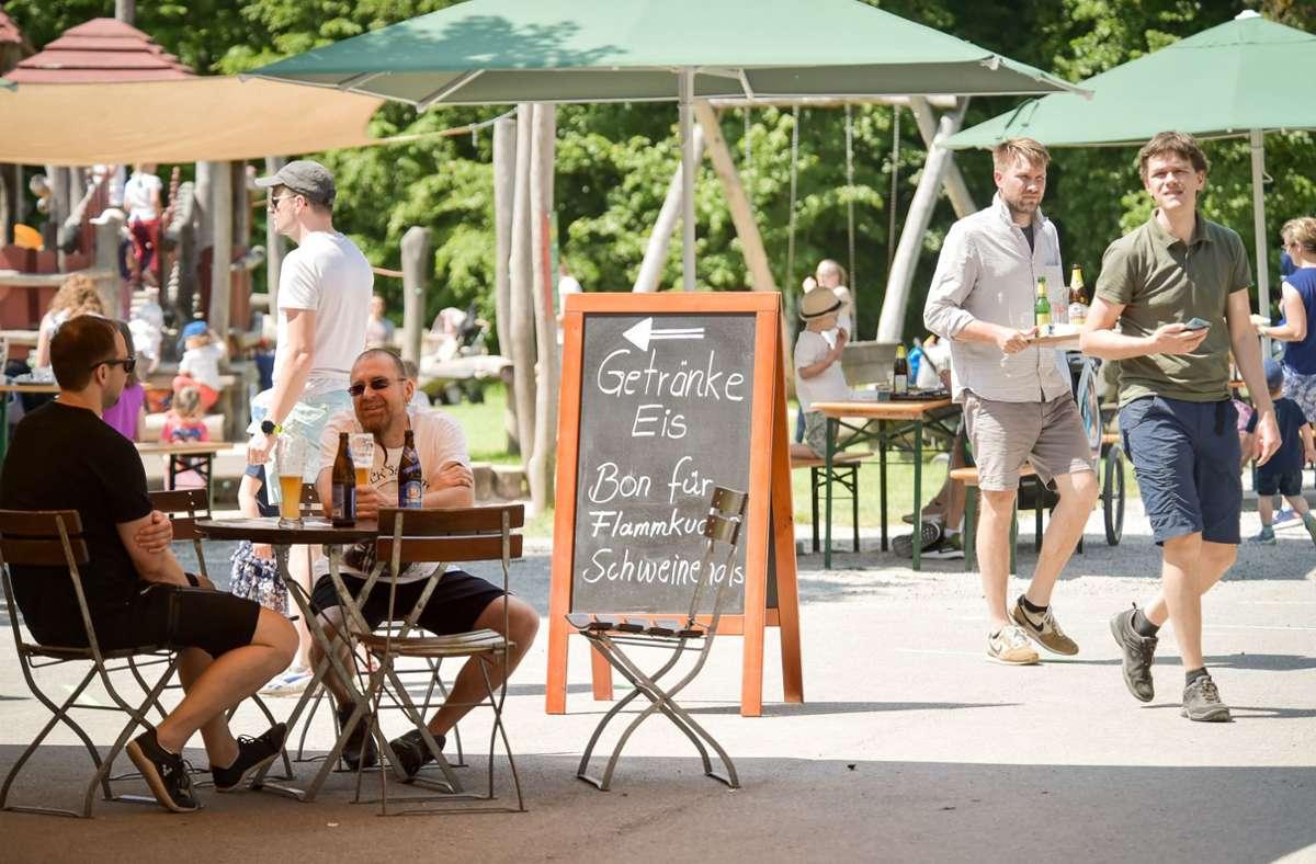 Am Katzenbacher Hof können sich Ausflügler mit Eis und kalten Getränken abkühlen. Foto: Lichtgut - Ferdinando Iannone/Ferdinando Iannone