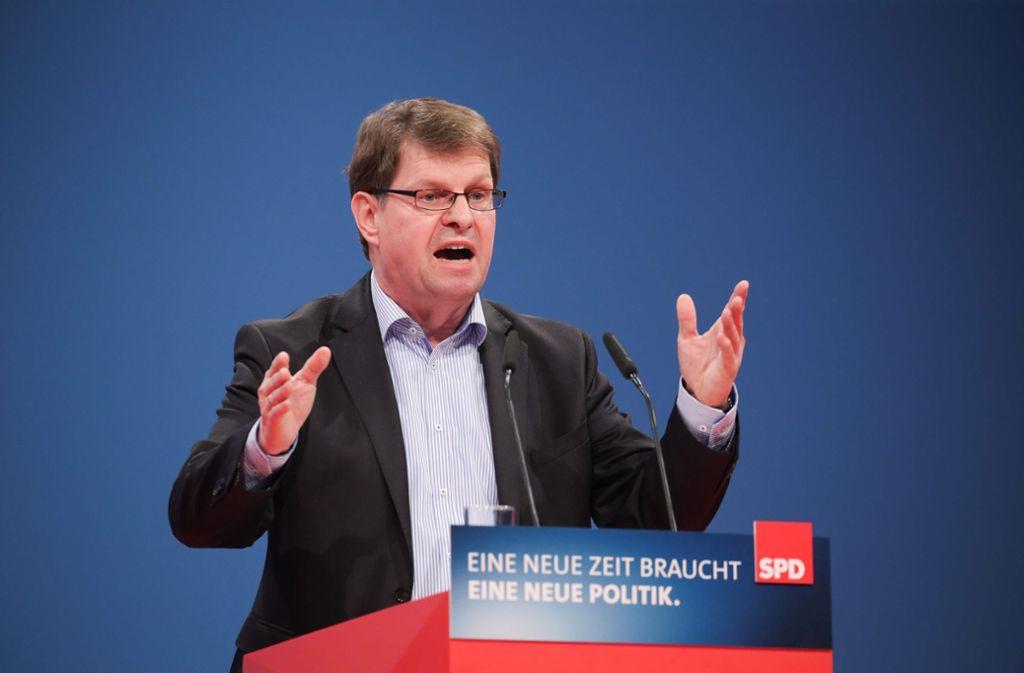 Der stellvertretende SPD-Vorsitzende Ralf Stegner hat den Rückzug von Parteichef Martin Schulz als persönliche Entscheidung dargestellt Foto: DPA