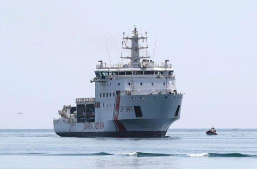 Schiff mit Migranten darf in Sizilien anlegen