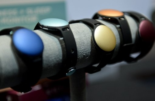 Mit Wearables lassen sich Puls, Schrittzahl und viele andere persönliche Daten erheben und später am Computer auswerten. Foto: dpa