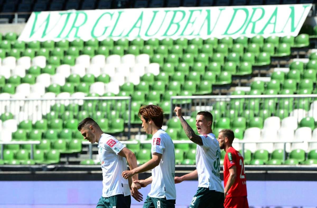 Werder Bremen gelang mit einem 6:1 gegen den 1. FC Köln noch der Sprung auf den Relegationsplatz. Foto: AFP/PATRIK STOLLARZ